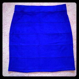 2/10$ Bright blue knit mini skirt